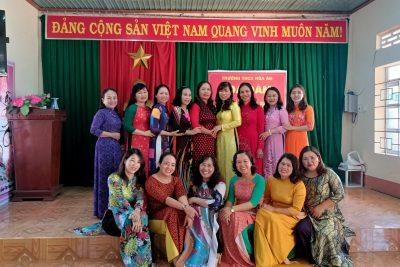 Hưởng ứng tuần lễ áo dài và tọa đàm ngày quốc tế phụ nữ 8 tháng 3